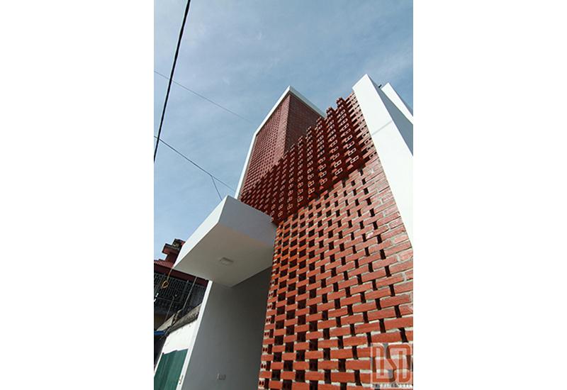 Nhà 2 tầng mặt phố - Nam Định