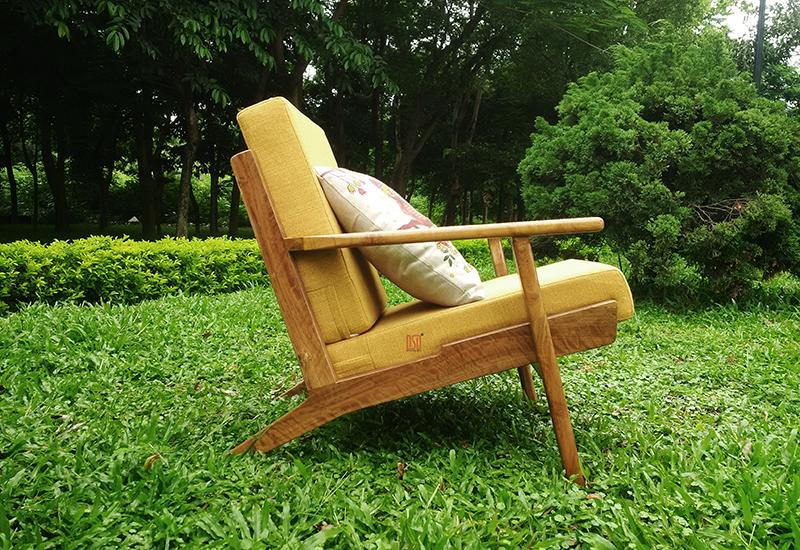 DF12.1 - Ghế đơn sofa gỗ keo ( nỉ)